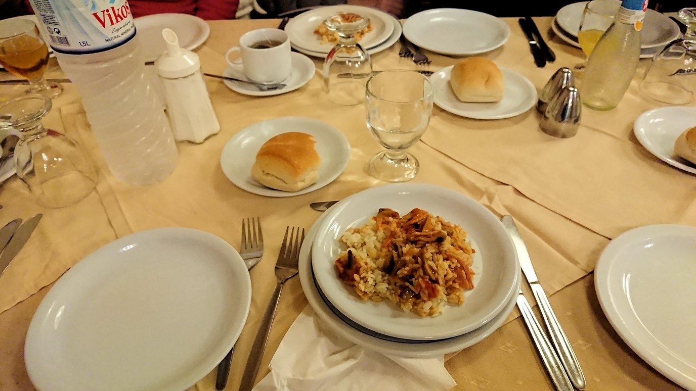 アテネのホテルで食べた夕食の感じ2