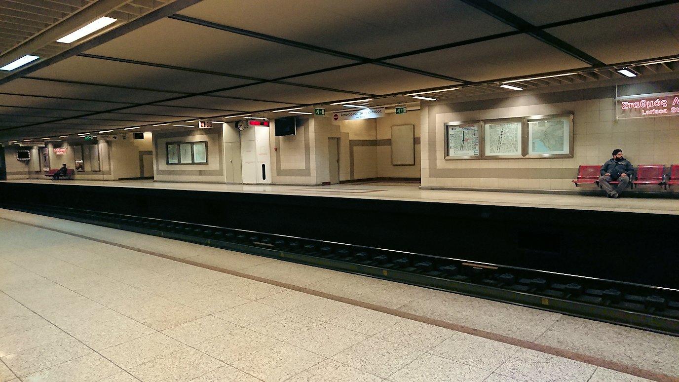 アテネの地下鉄のラリッサ駅の様子4