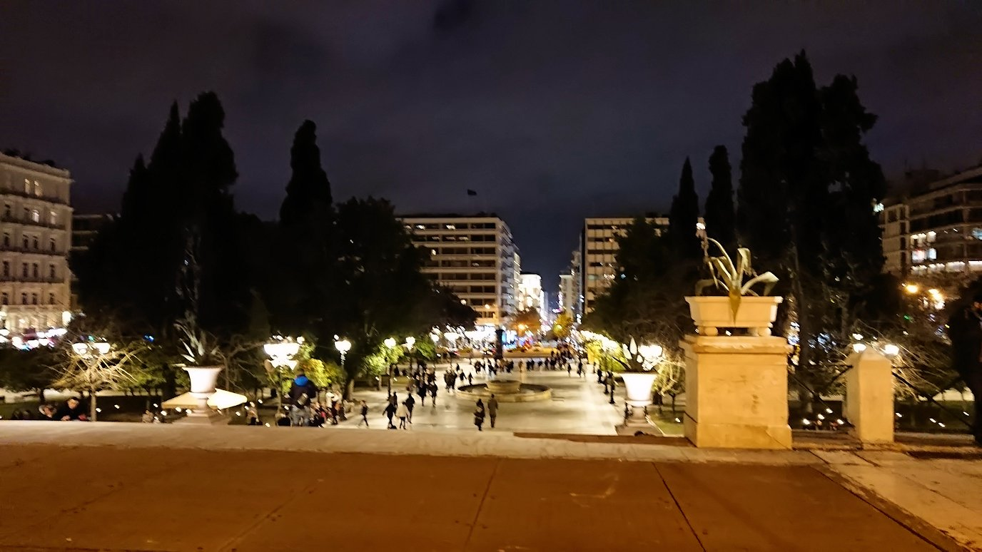 アテネの中心地シンタグマ広場周辺の様子2