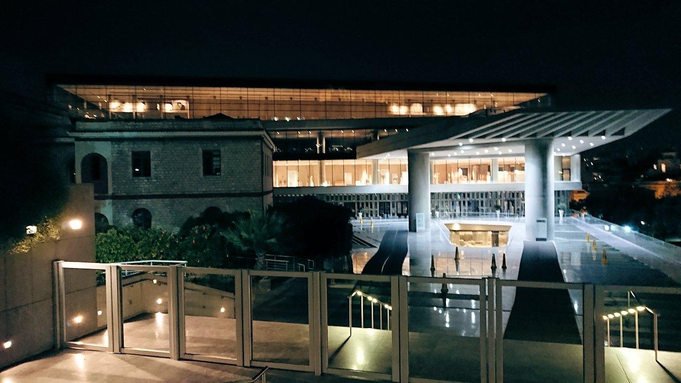 アテネの夜のアクロポリス周辺で写真撮影位置を探す8+