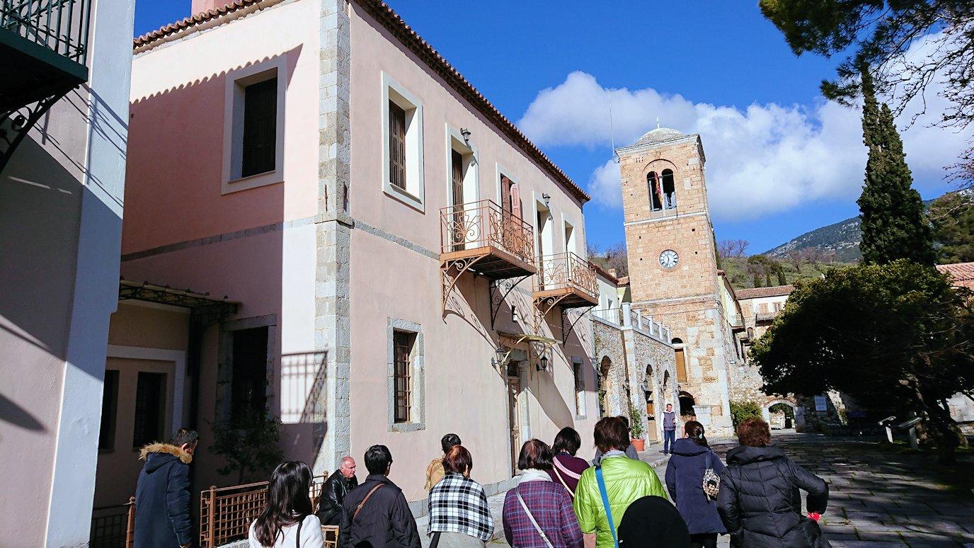 オシオス・ルカス修道院の入口に到着6