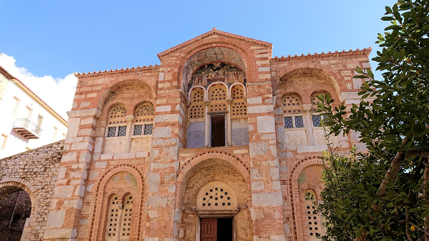 オシオス・ルカス修道院の入口にて5