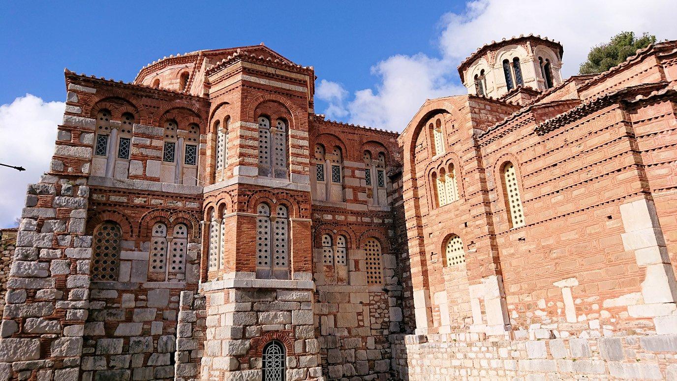オシオス・ルカス修道院の見晴らしのいい場所で見た景色4