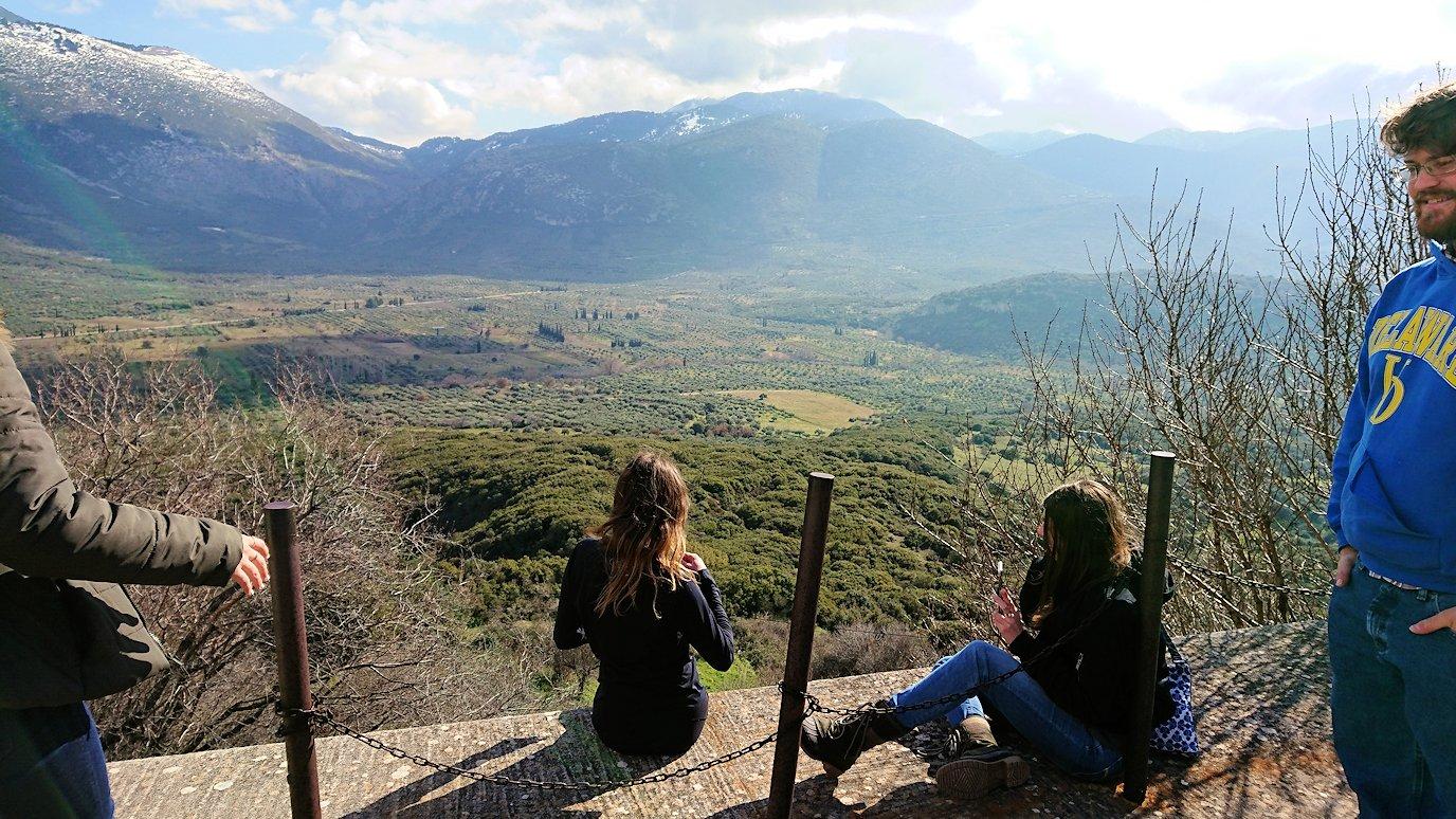 オシオス・ルカス修道院の見晴らしのいい場所で見た景色5