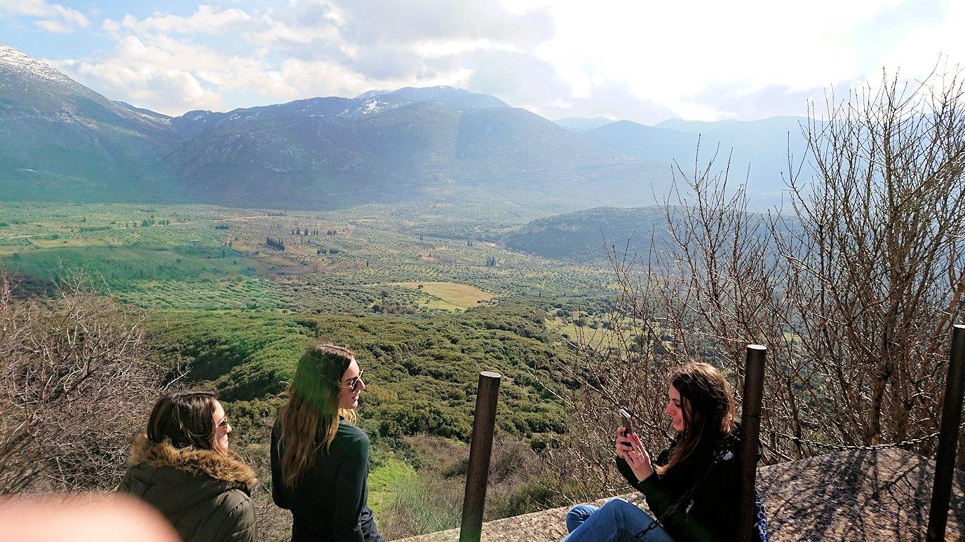 オシオス・ルカス修道院の見晴らしのいい場所で見た景色6