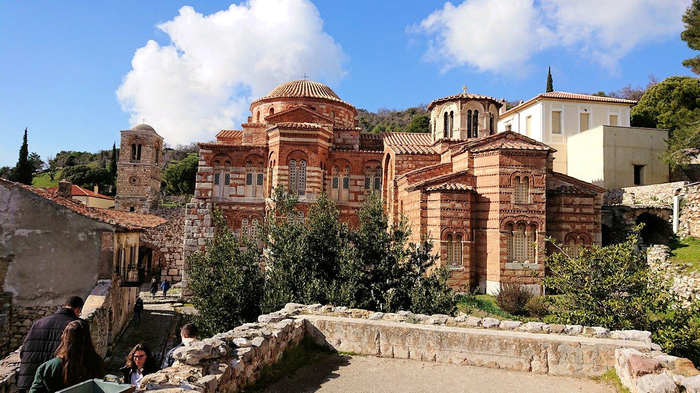 オシオス・ルカス修道院の見晴らしのいい場所の様子4