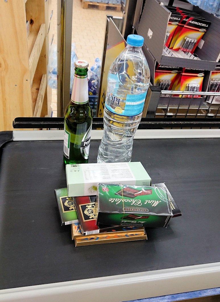 メテオラ地方のホテル周辺のスーパーマーケットの様子4