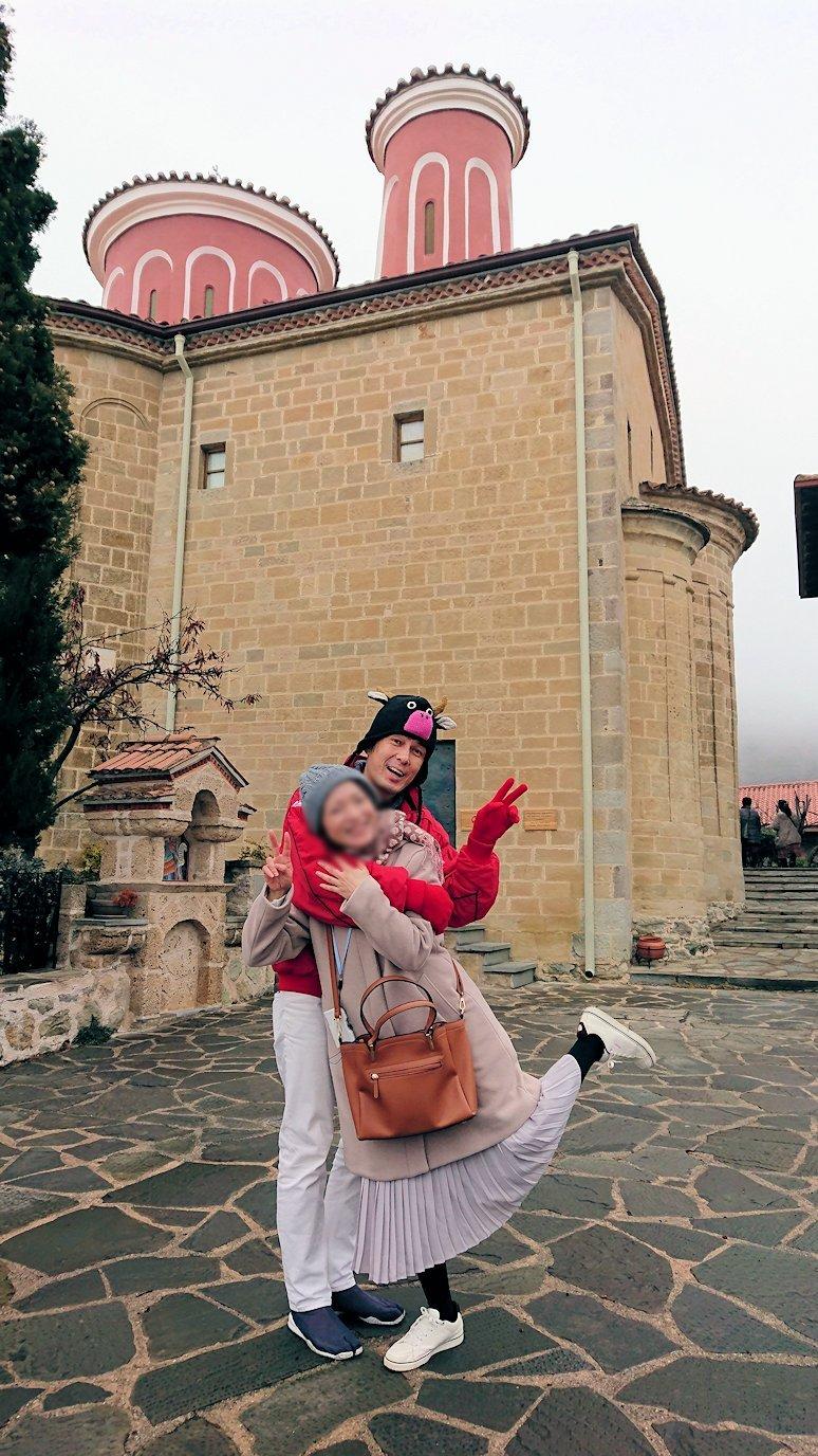 メテオラ地方でアギオス・ステファノス修道院で記念撮影4