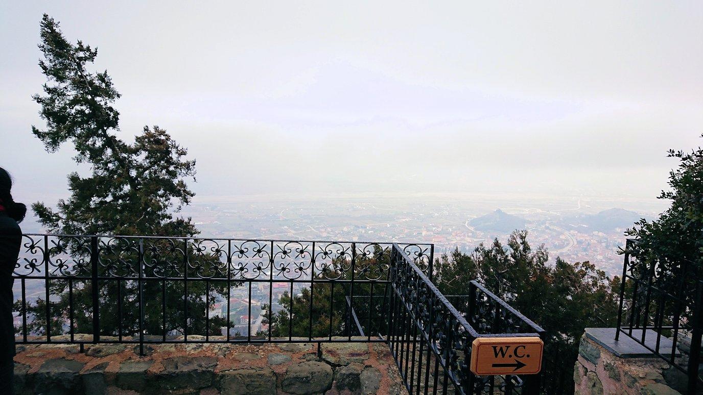 メテオラ地方でアギオス・ステファノス修道院でも猫2