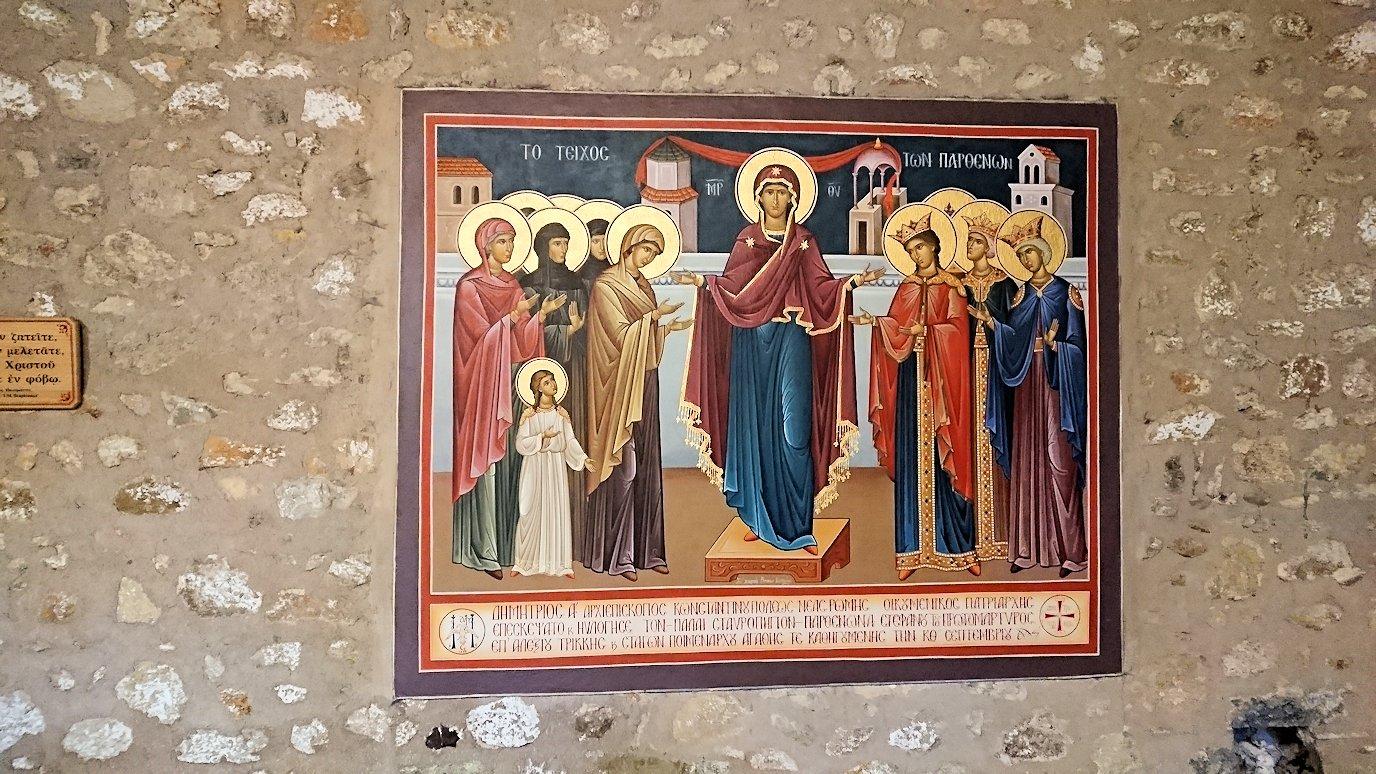 メテオラ地方でアギオス・ステファノス修道院を後にする4