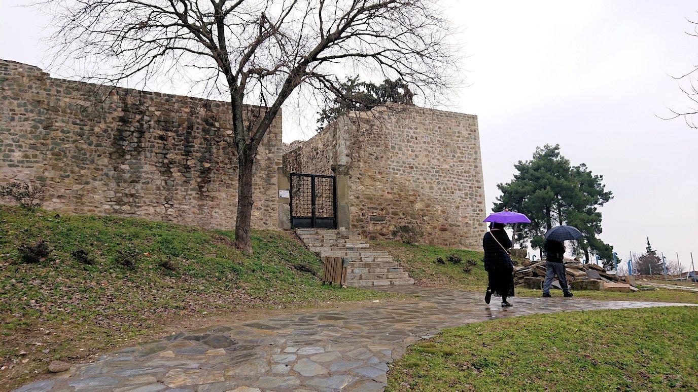 ギリシャのトリカラ地方の時計台を見学3