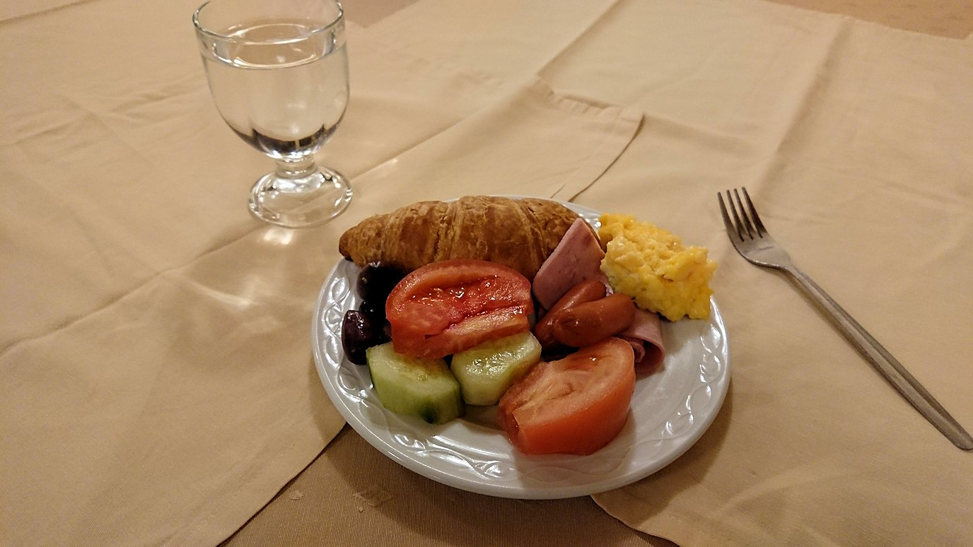 アテネのオスカーホテルでの朝食