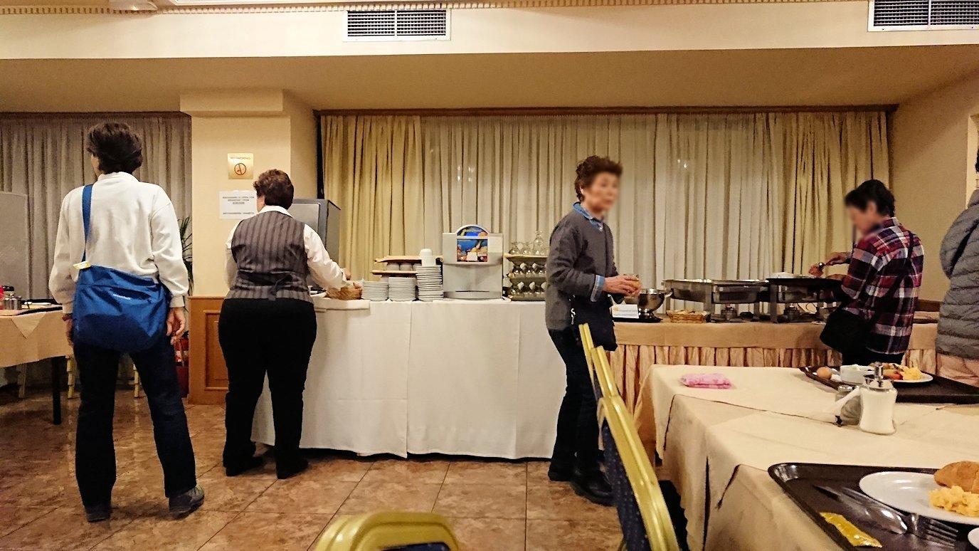 アテネのオスカーホテルでの朝食会場の様子