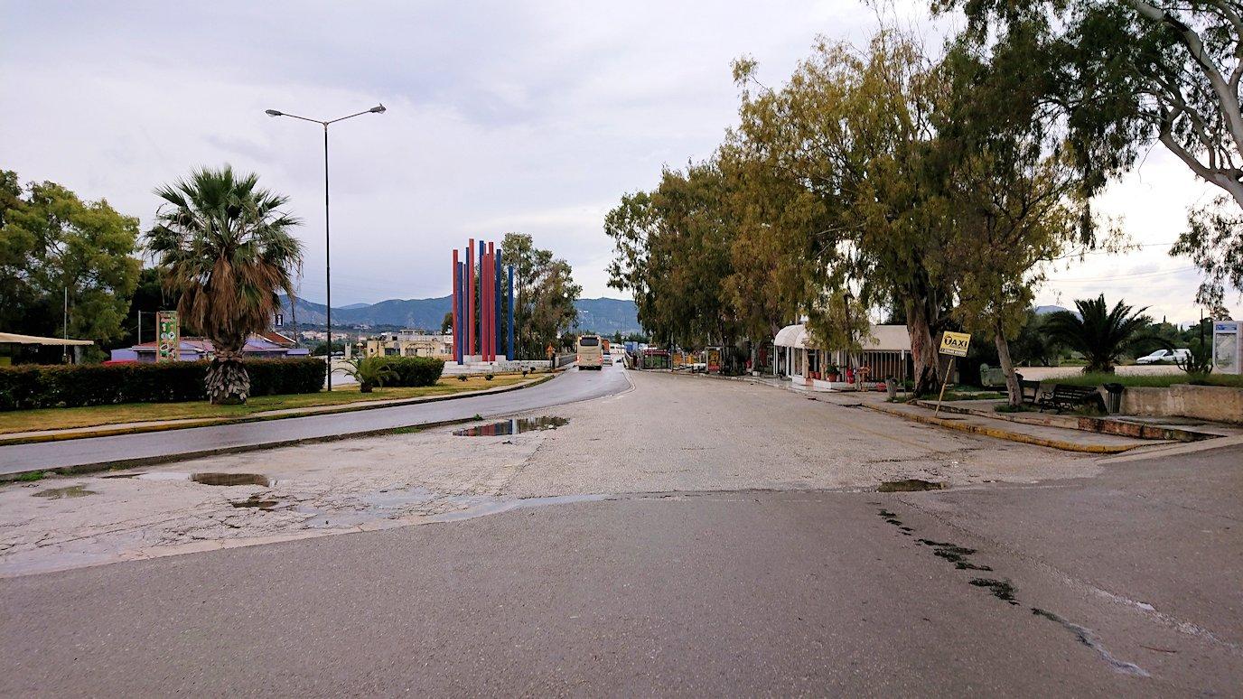 ギリシャのコリントス運河に到着