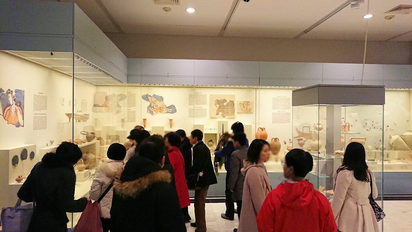 ミケーネ古代遺跡の博物館の土器などを見る2
