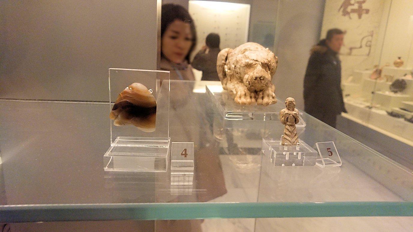 ミケーネ古代遺跡の博物館の土器などを展示物を見学5