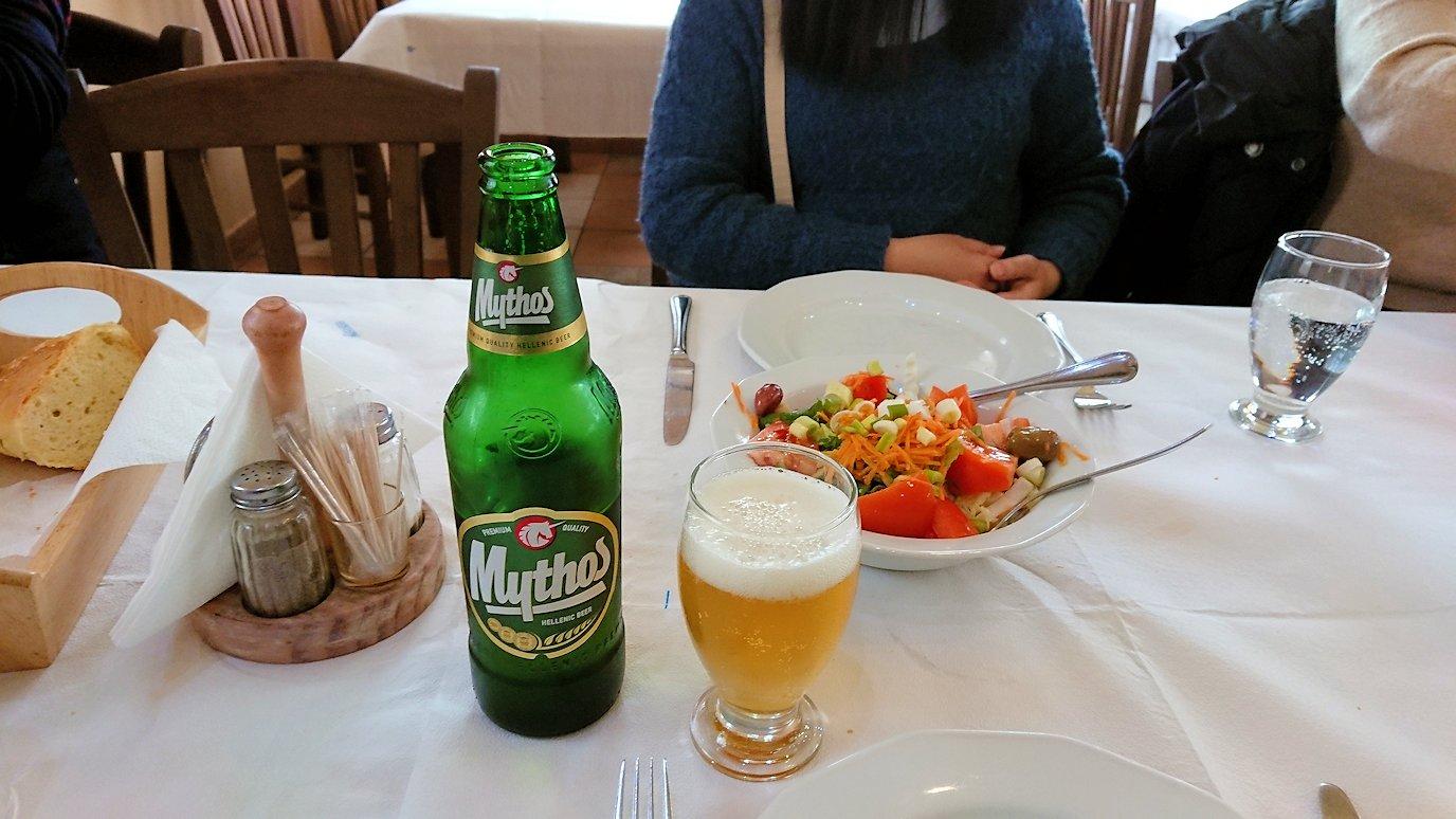 ギリシャのディアコフトのレストランのサラダ3
