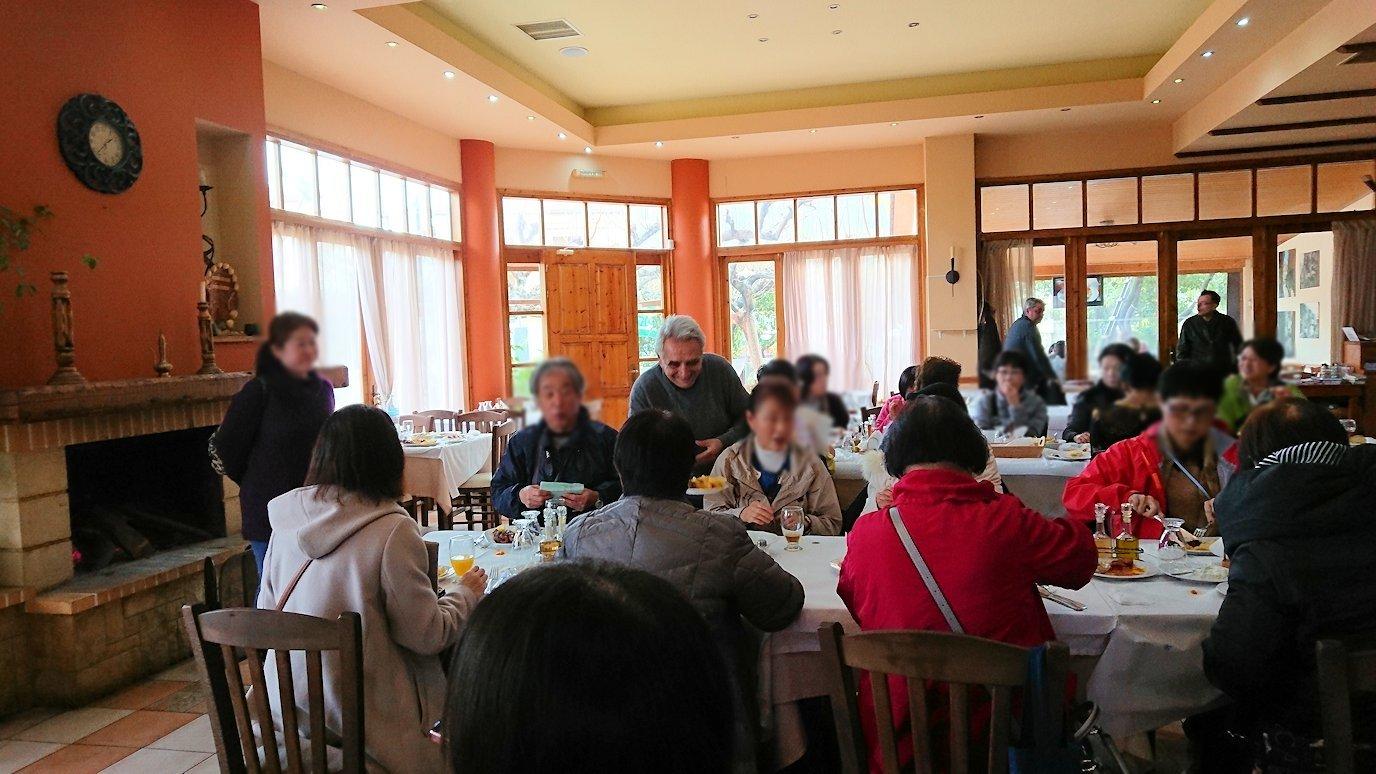 ギリシャのディアコフトのレストランの様子2