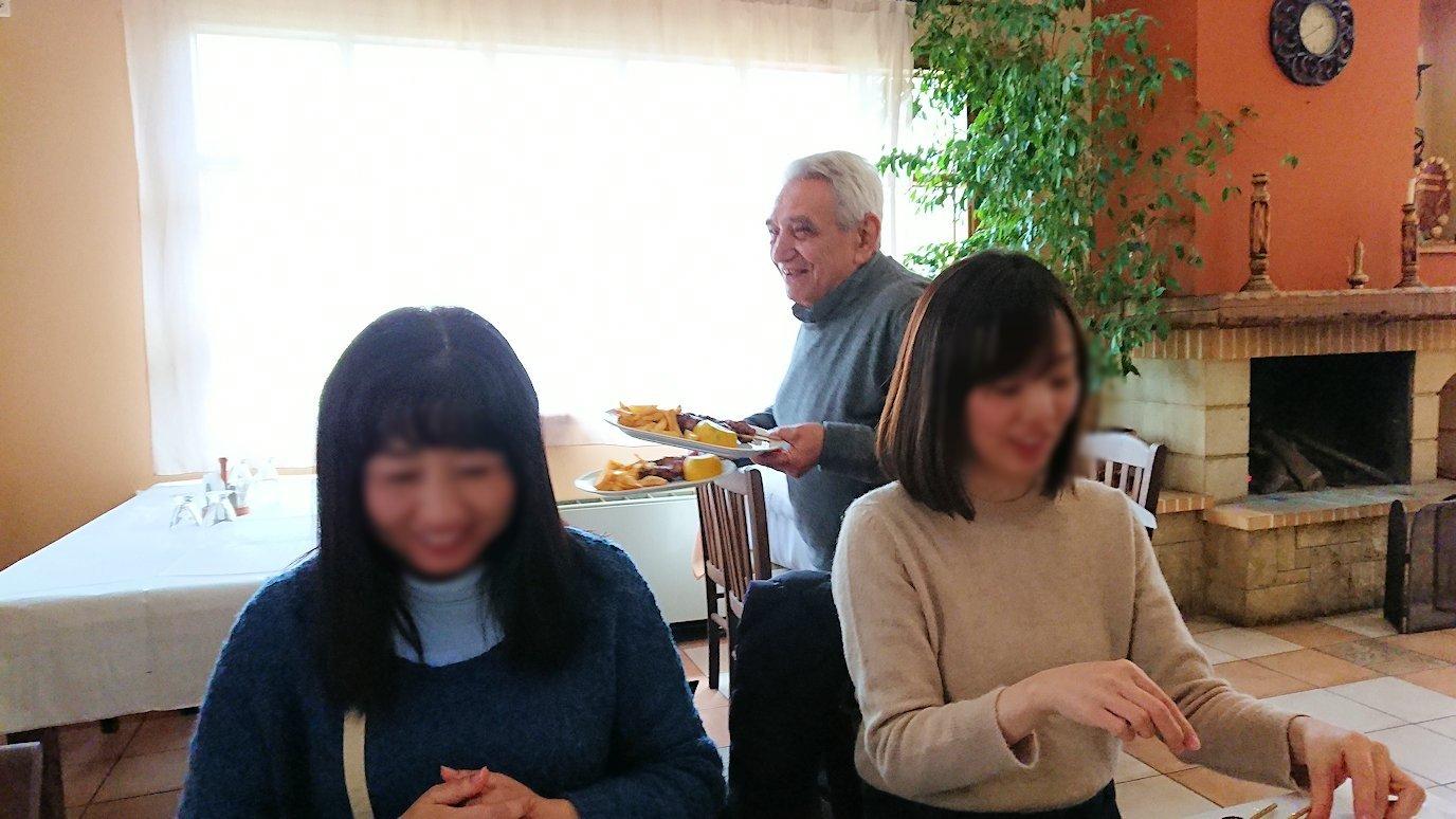 ギリシャのディアコフトのレストランの様子5
