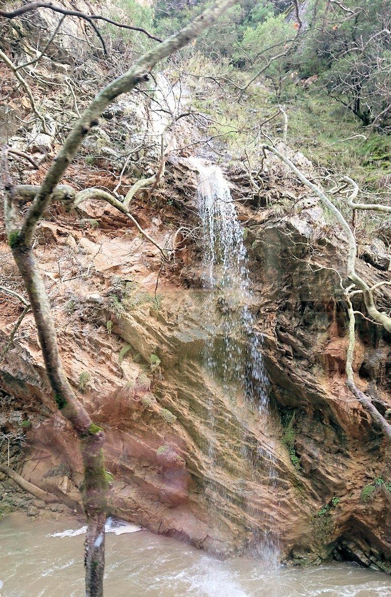オドンドトス登山鉄道列車から見えた壮大な景色の写真4