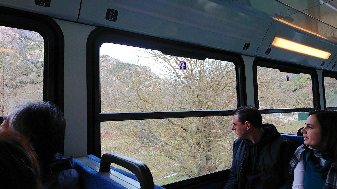 オドンドトス登山鉄道列車に乗ってカラヴリタに向かいます4