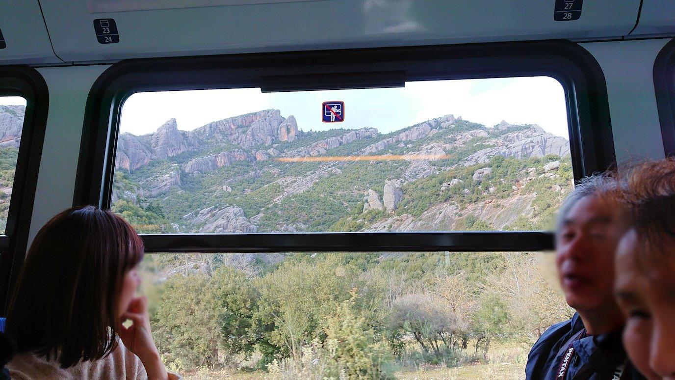 オドンドトス登山鉄道列車に乗ってカラヴリタに向かいます5