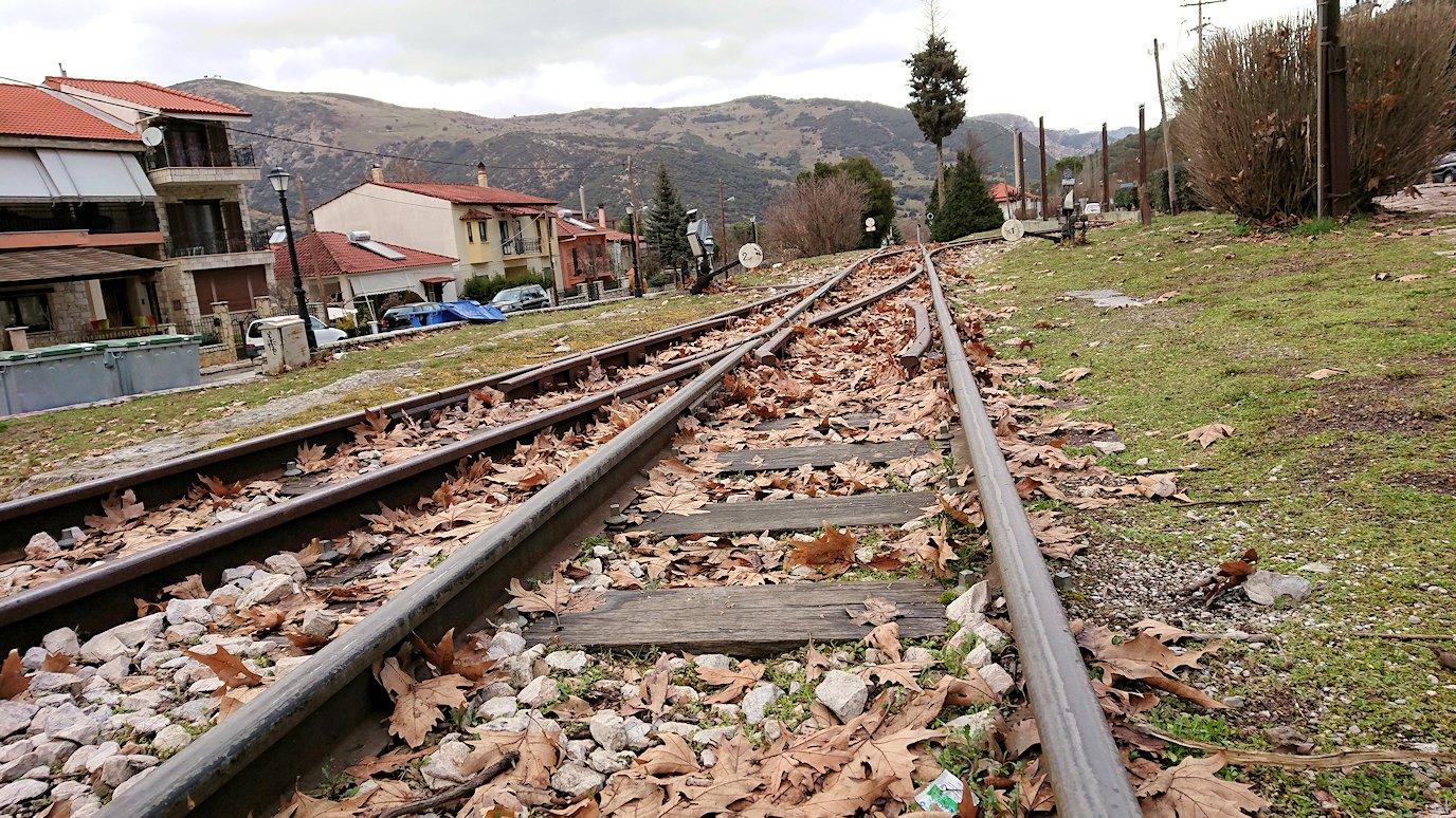 オドンドトス登山鉄道列車に乗ってカラヴリタの街並み6