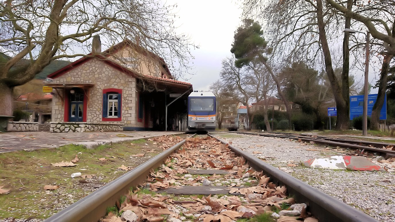 オドンドトス登山鉄道列車に乗ってカラヴリタの街並み7