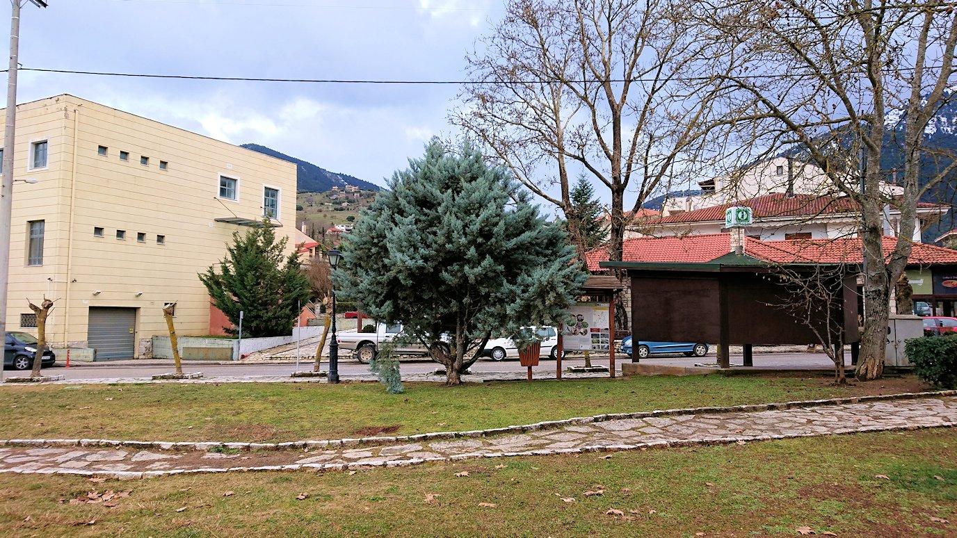 オドンドトス登山鉄道列車に乗ってカラヴリタの街並み8