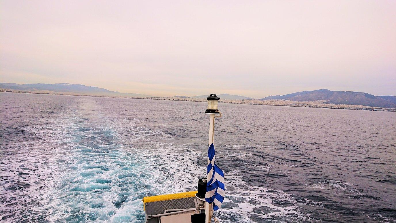 エーゲ海クルーズ船のデッキからエーゲ海を見渡す4