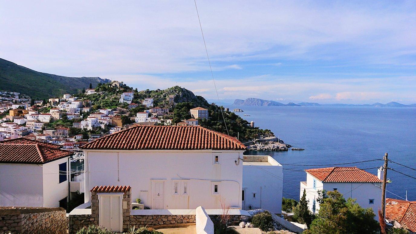 エーゲ海のイドラ島の高台から見た景色
