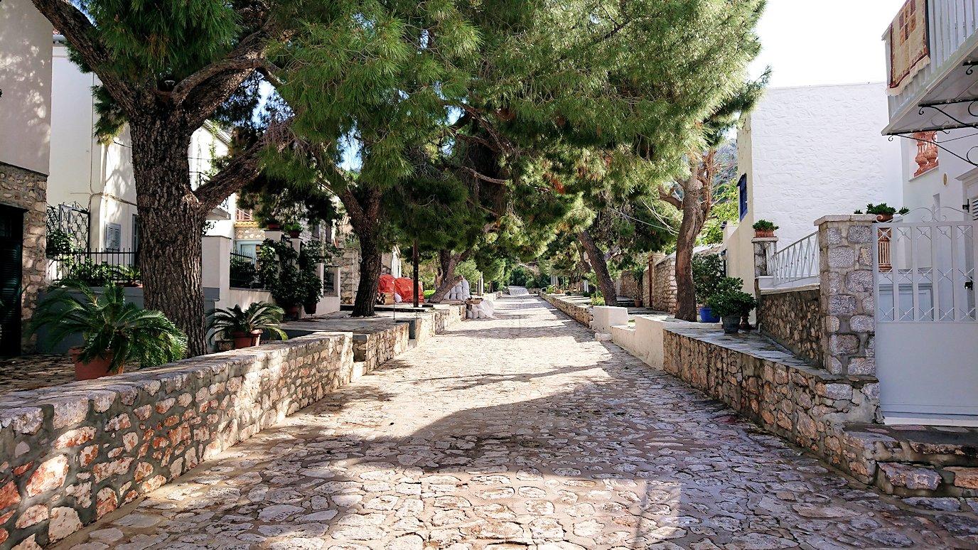 エーゲ海のイドラ島で歩いていて見つけた街並み2