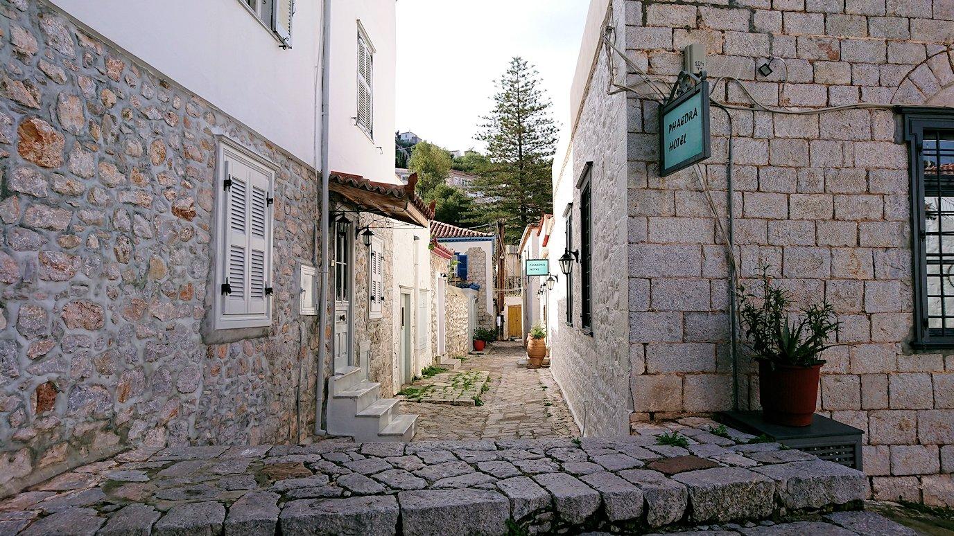 エーゲ海のイドラ島で歩いていて見つけた街並み3