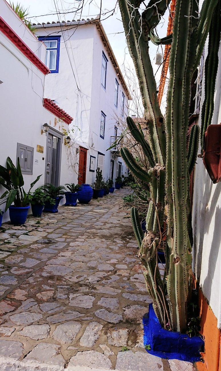 エーゲ海のイドラ島のオシャレな街並み2