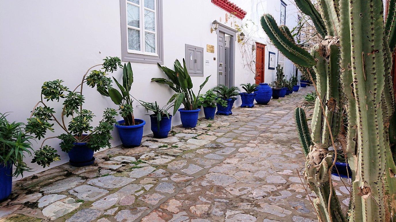 エーゲ海のイドラ島のオシャレな街並み4