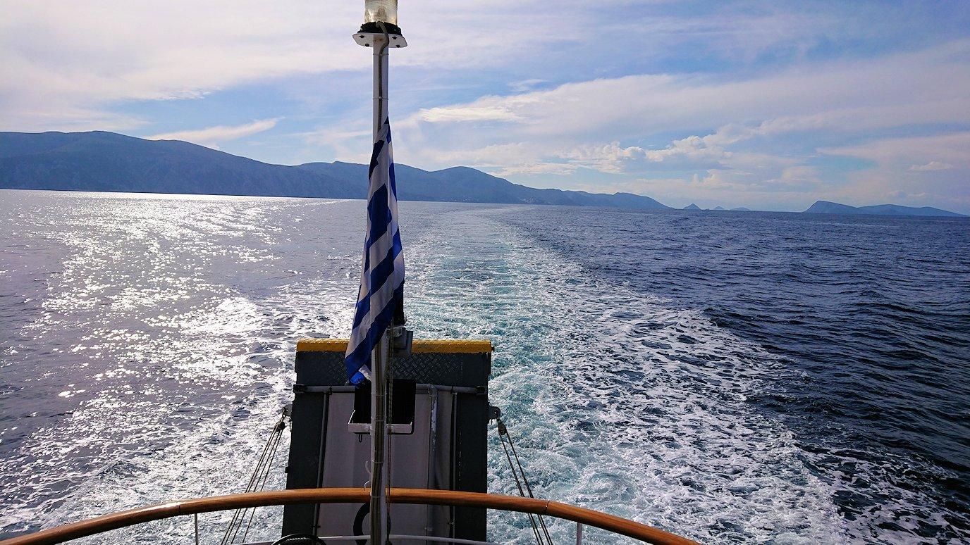 エーゲ海クルーズ船のデッキから見える景色