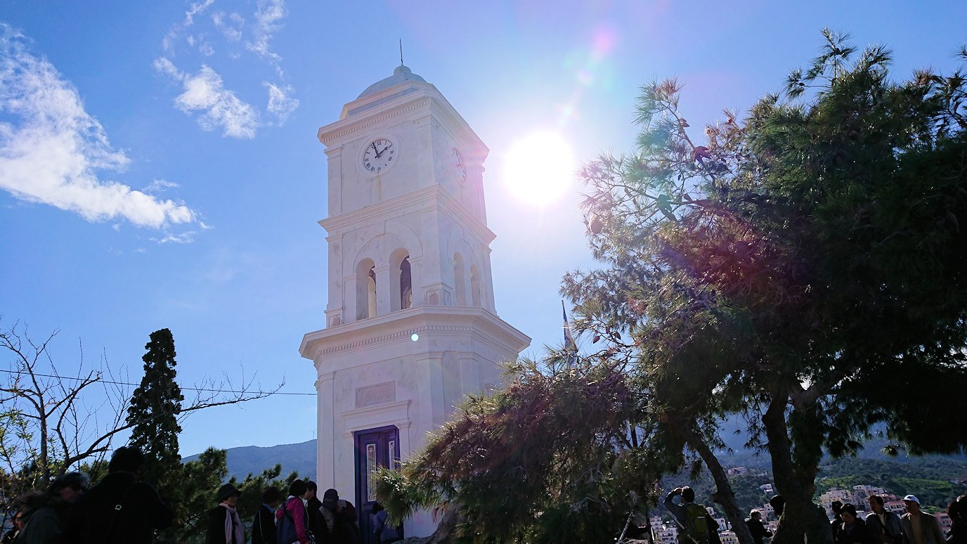 ギリシャのポロス島の時計台付近の様子2