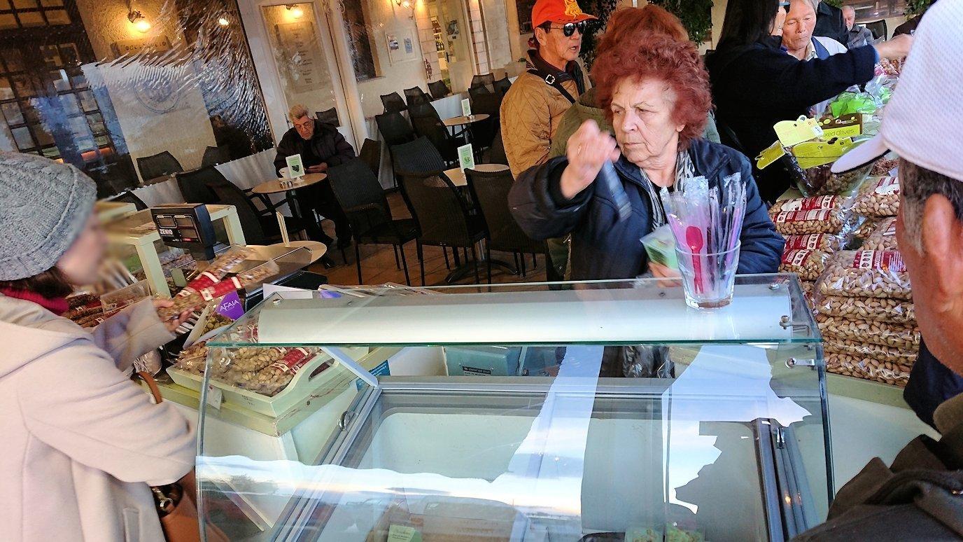エギナ島のピスタチオの店を見学5