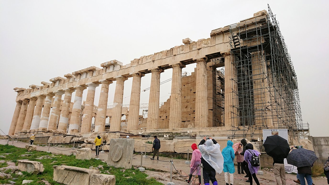 ギリシャのパルテノン神殿の様子