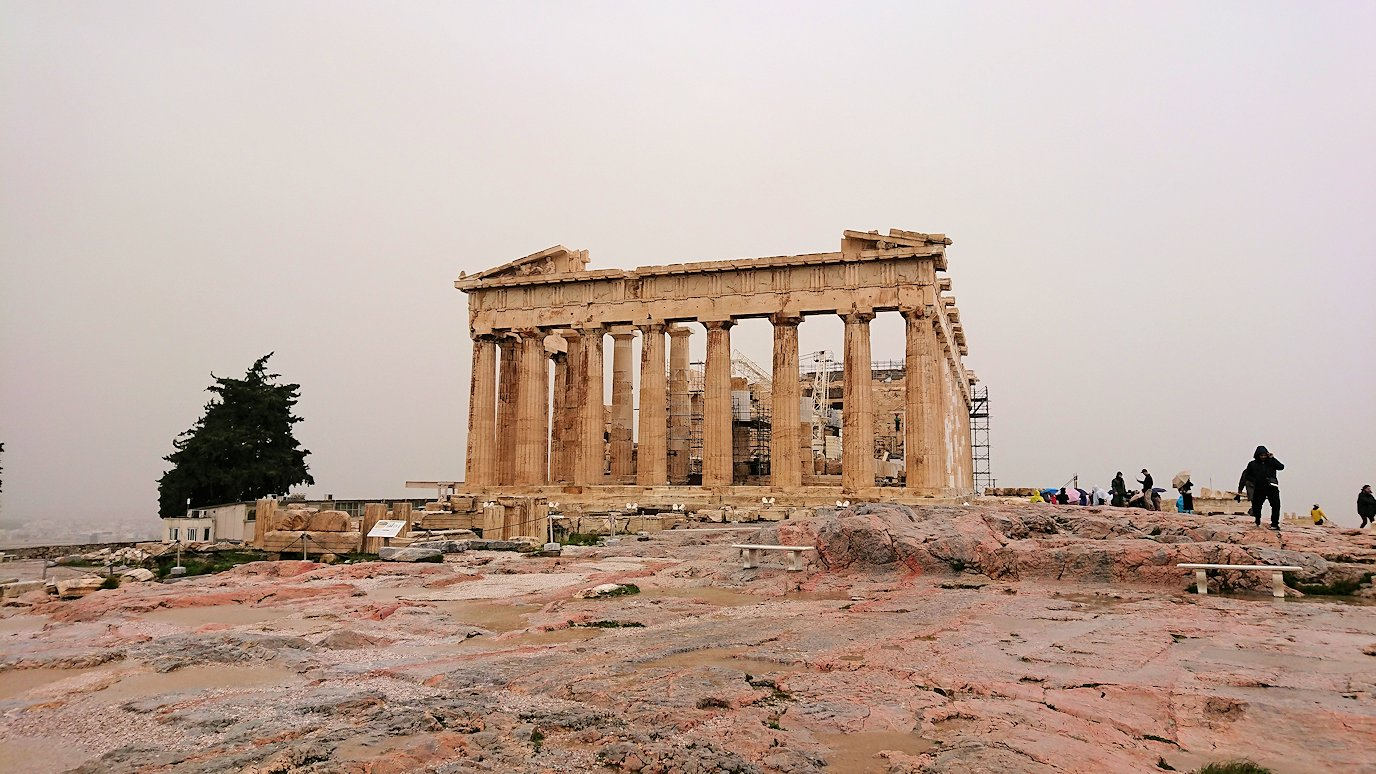 ギリシャのパルテノン神殿の近くから見てみた景色3