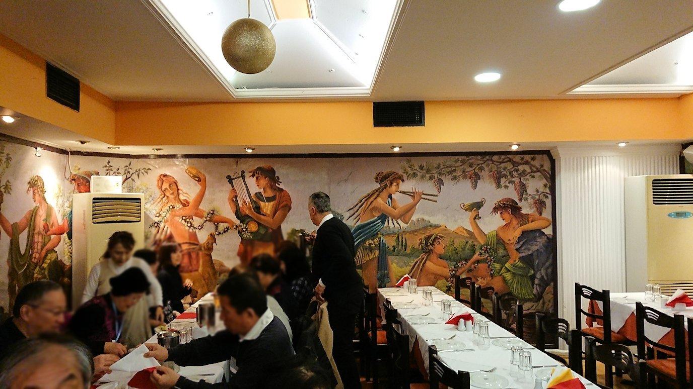 アテネ市内のレストランAcropol,の中