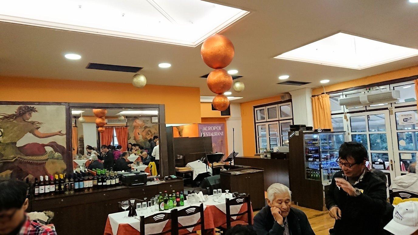 アテネ市内のレストランAcropol,の中2