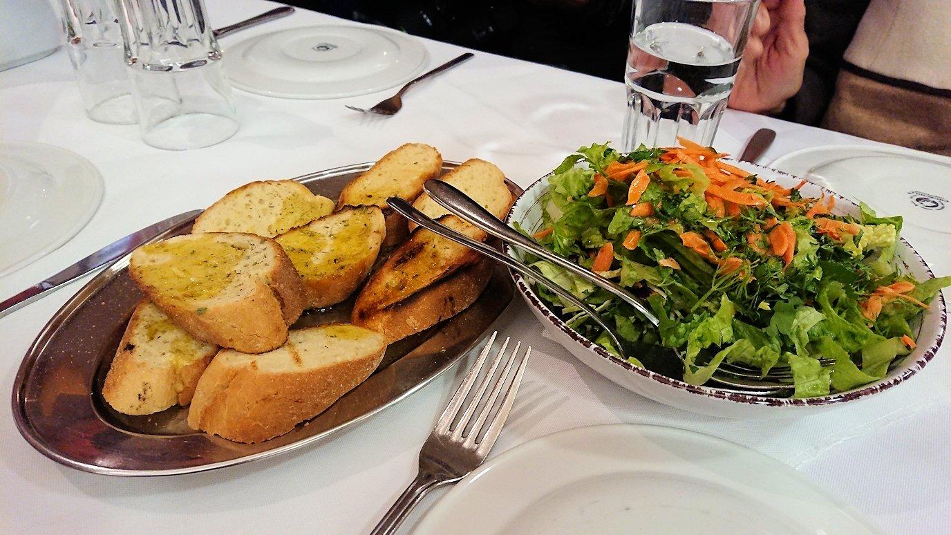 アテネ市内のレストランAcropol,の昼食