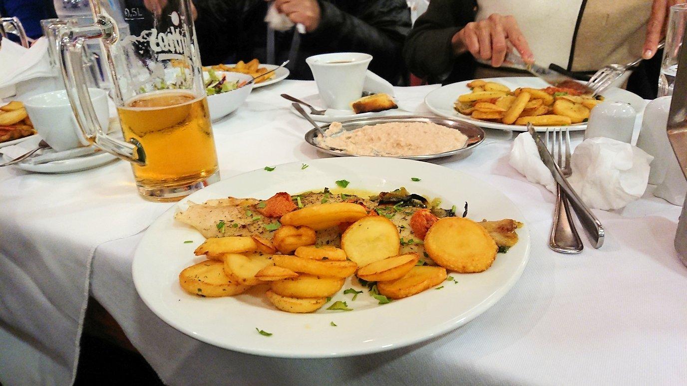 アテネ市内のレストランAcropolで出てきた昼食の様子4