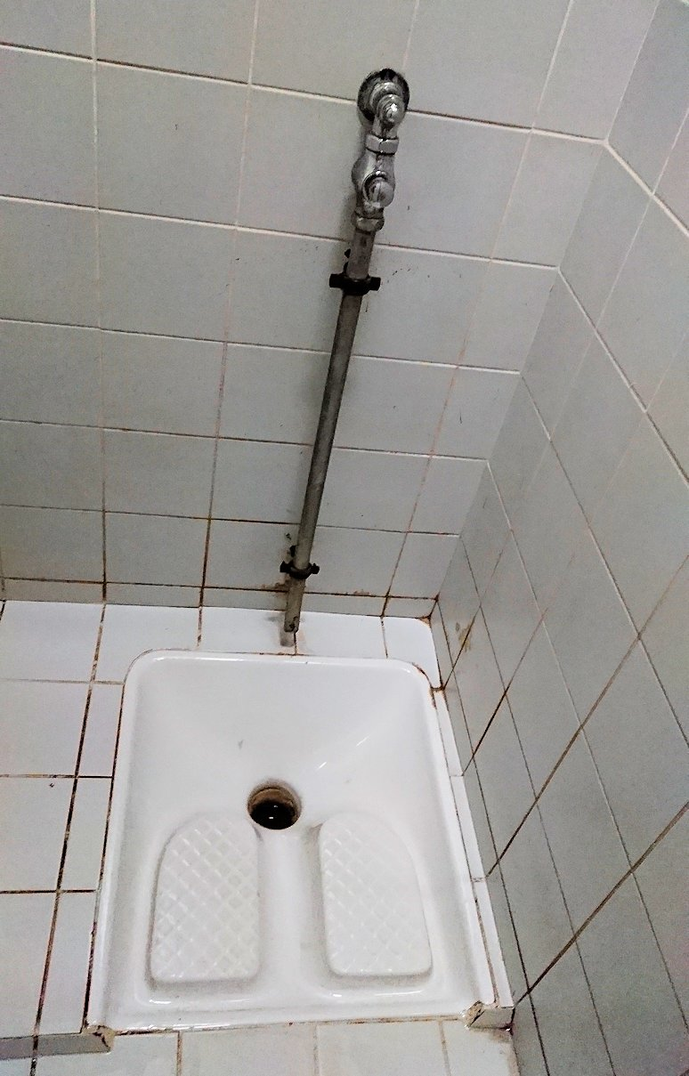 カサブランカのハッサン2世モスクの男子トイレ2