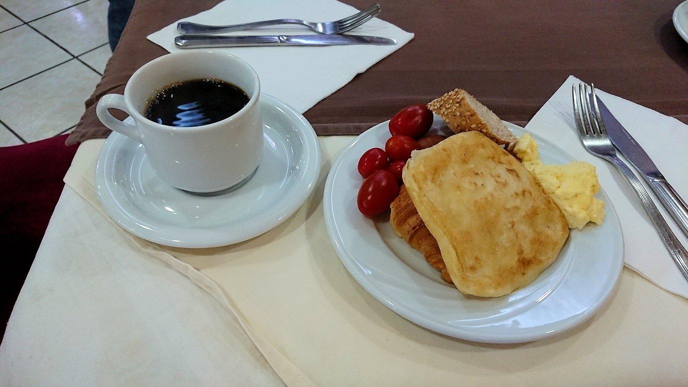 ラバトのホテルでの朝食バイキングの様子3