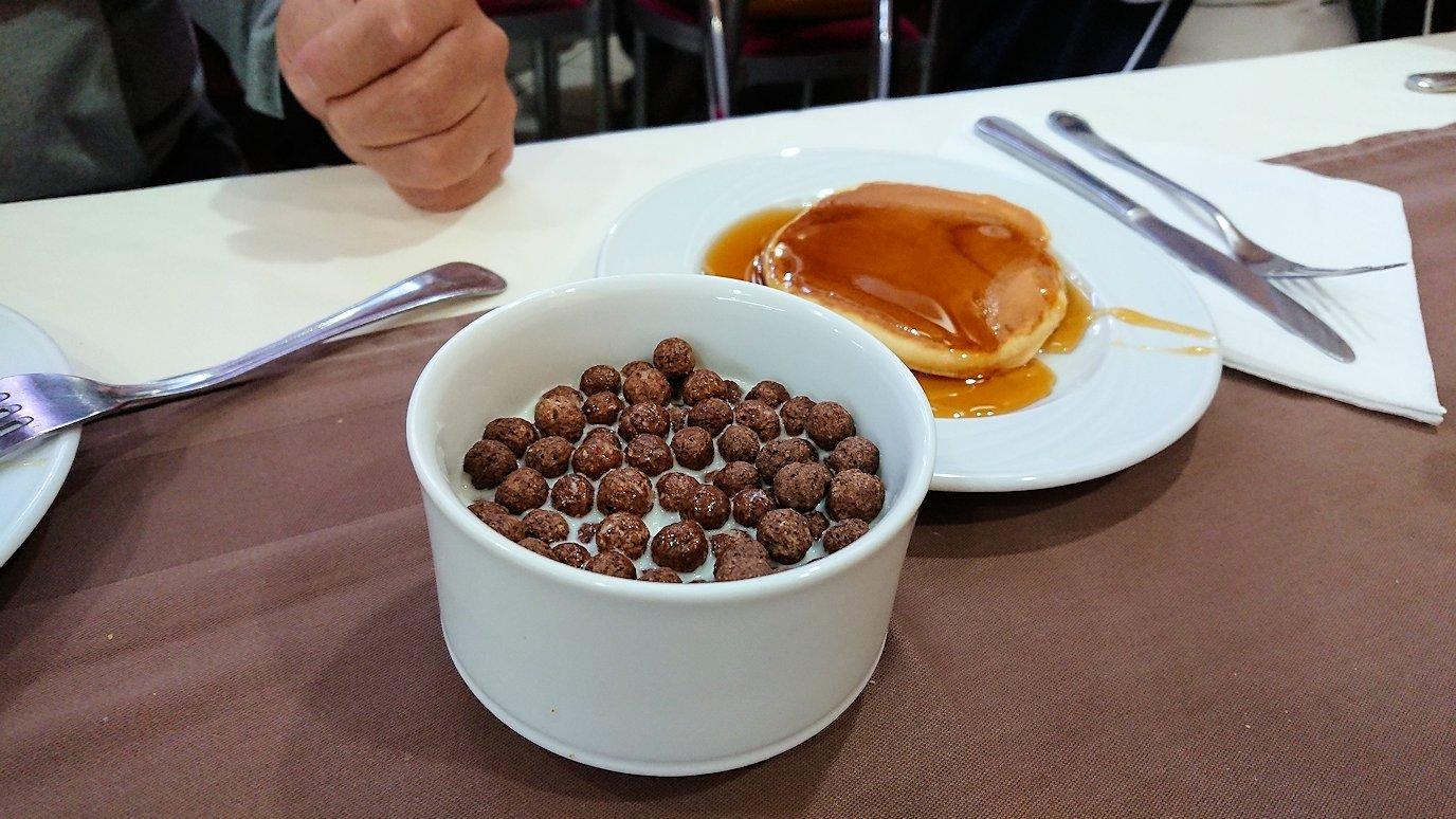ラバトのホテルでの朝食バイキングの様子4