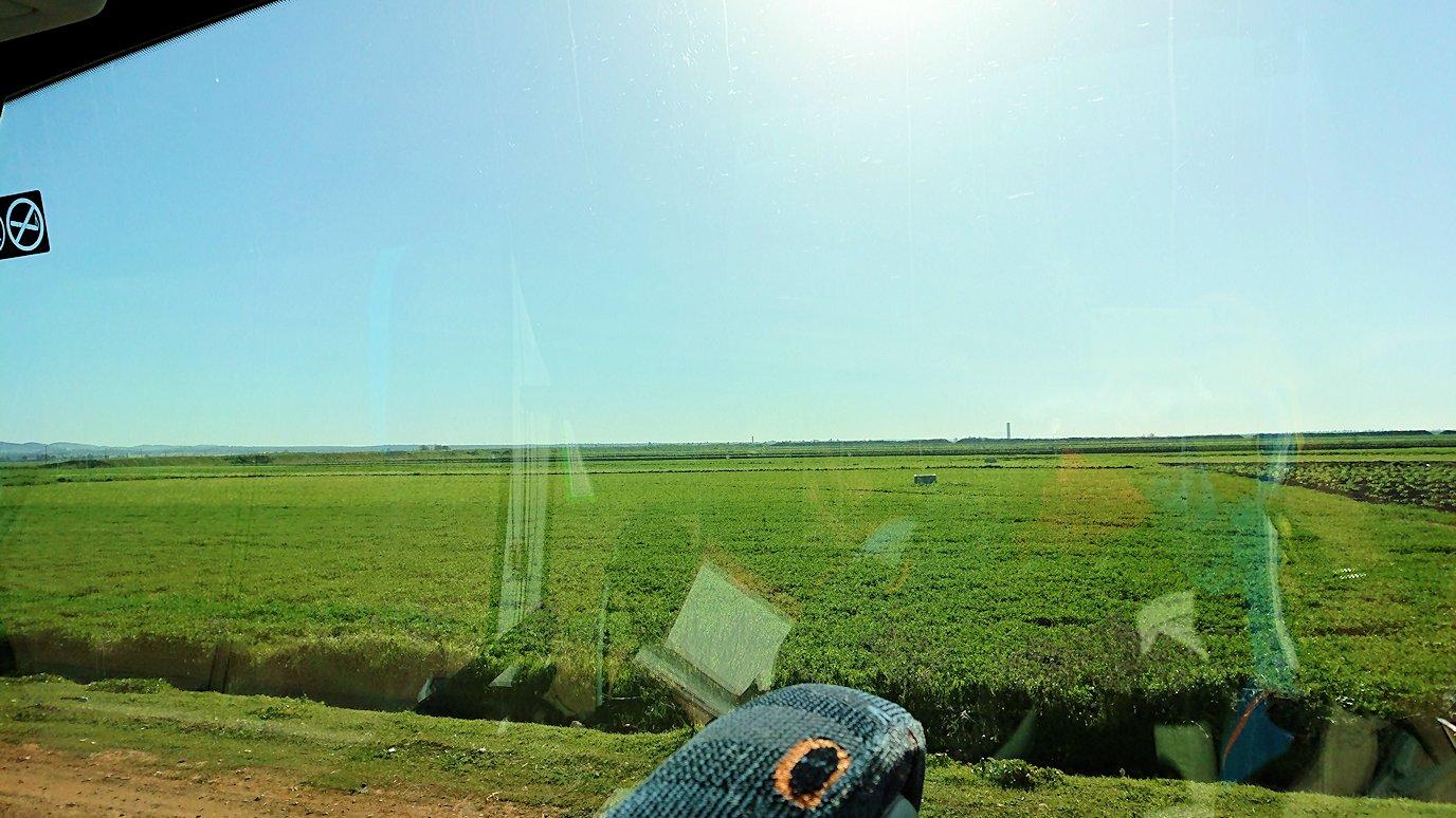 再びバスに乗ってシャウエンに向かう途中の景色4