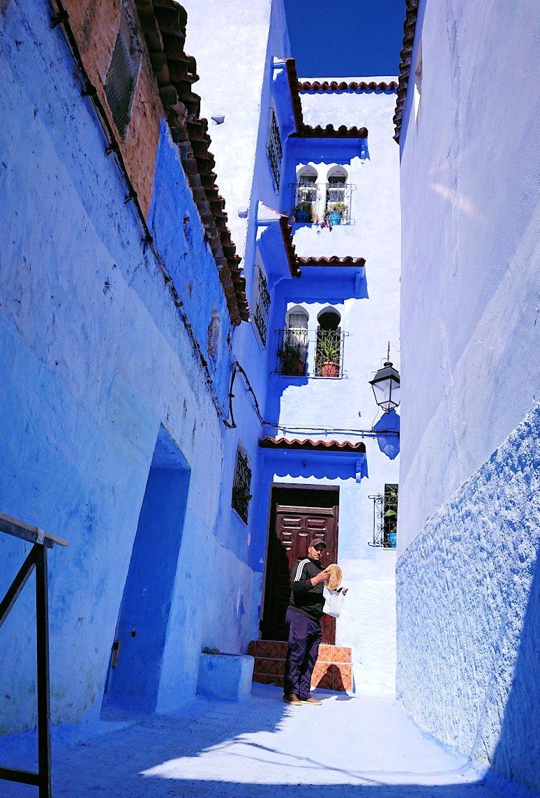 青い街シャウエンでキレイな風景を見る