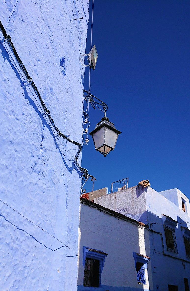 青い街シャウエンで歩き回る2